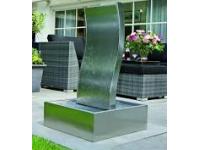"""AA GENOVA - waterval Inox 304 met een """"golf""""effekt - Sockel H20 x 60 x 60 cm, H100 x 40 x 12 cm"""