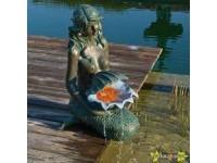 "AA OSLO - Polyresin - bronskleurige zeemeermin ""sieraad voor elke vijveroever"" rustiek met waterreservoir gemaakt van polyresin - 600l/h, aansluitmateriaal, 1x8 Leds - H78 x 34 x 46 cm"